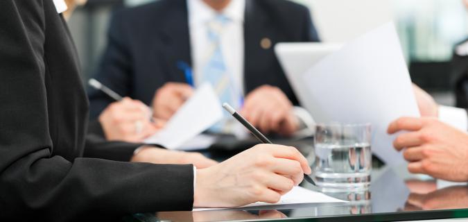 Como contratar un buen abogado